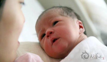 梁咏琪可爱混血女儿Sofia还没改中文名 女宝宝起名方法