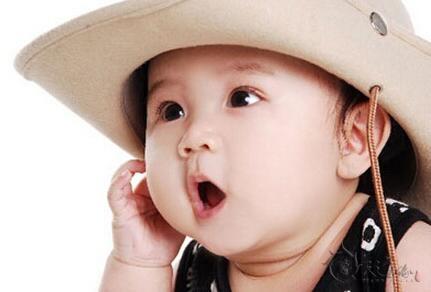 宝宝起名是我们作为父母不容轻视的一件事情